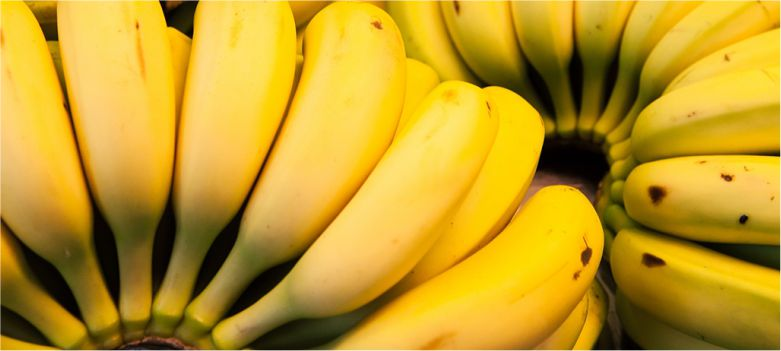 Banana-also-helps-in-controlling-high-blood-pressure