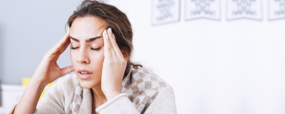 Headaches-is-also-a-sign-is-that-your-body-is-dehydrated