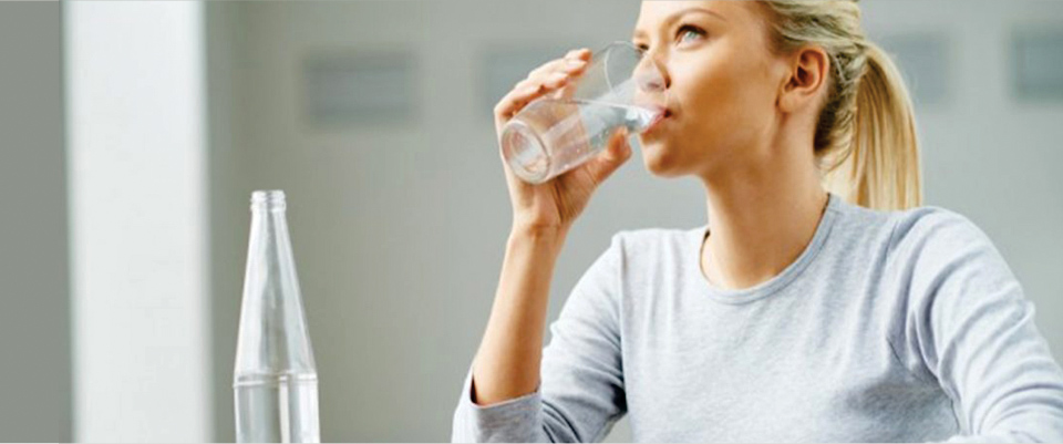 Keep-the-Body-Hydrated-to-Control-Your-Sugar-Addiction
