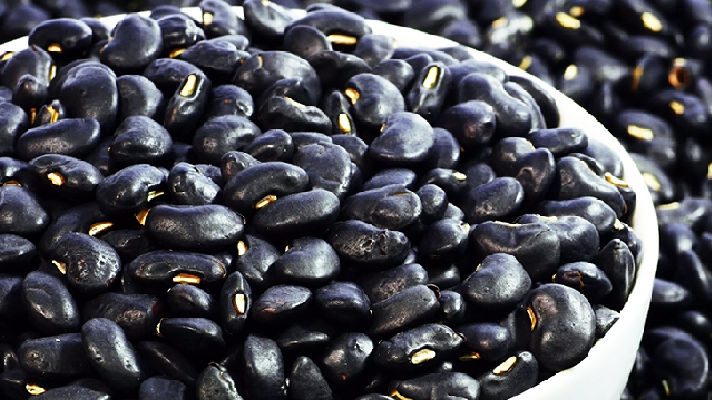Black-Beans-must-Eat-for-a-Strong Body