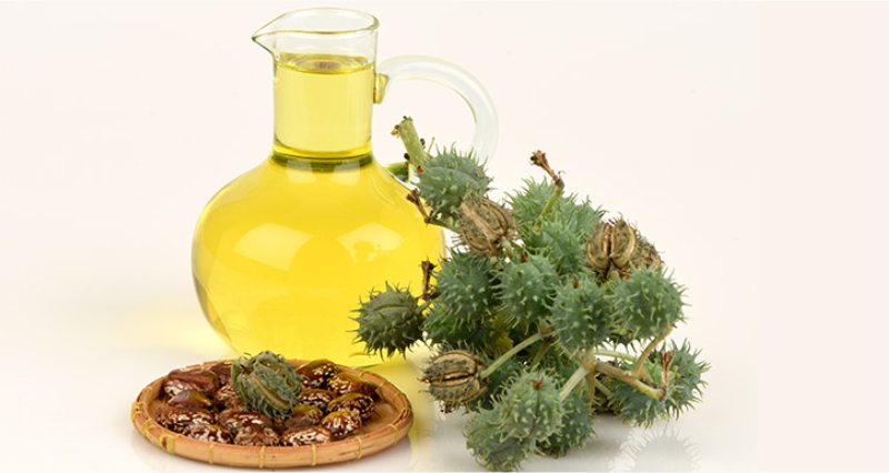 Castor-Oil-is-best-oil-to-Get-Rid-of-Warts