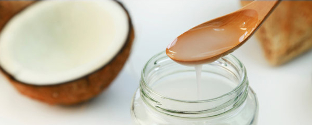 Use-Coconut-Oil-to-Get-Rid-of-Under-Eye-Bags