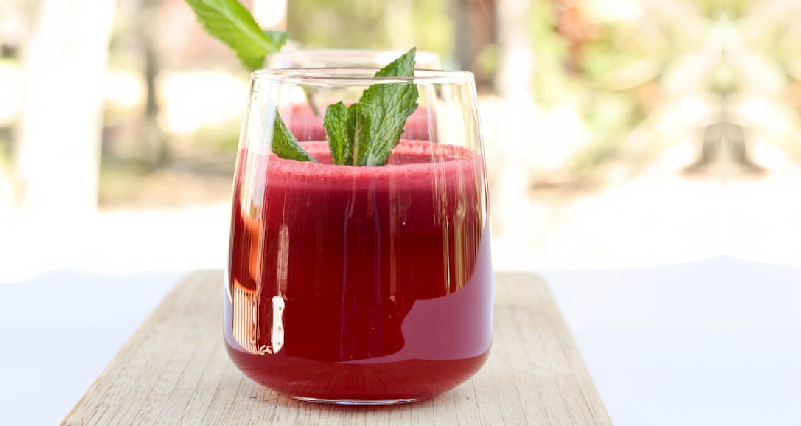 Beetroot-and-Mint-Juice-Drinks-for-Weight-Loss-and-Clear-Skin