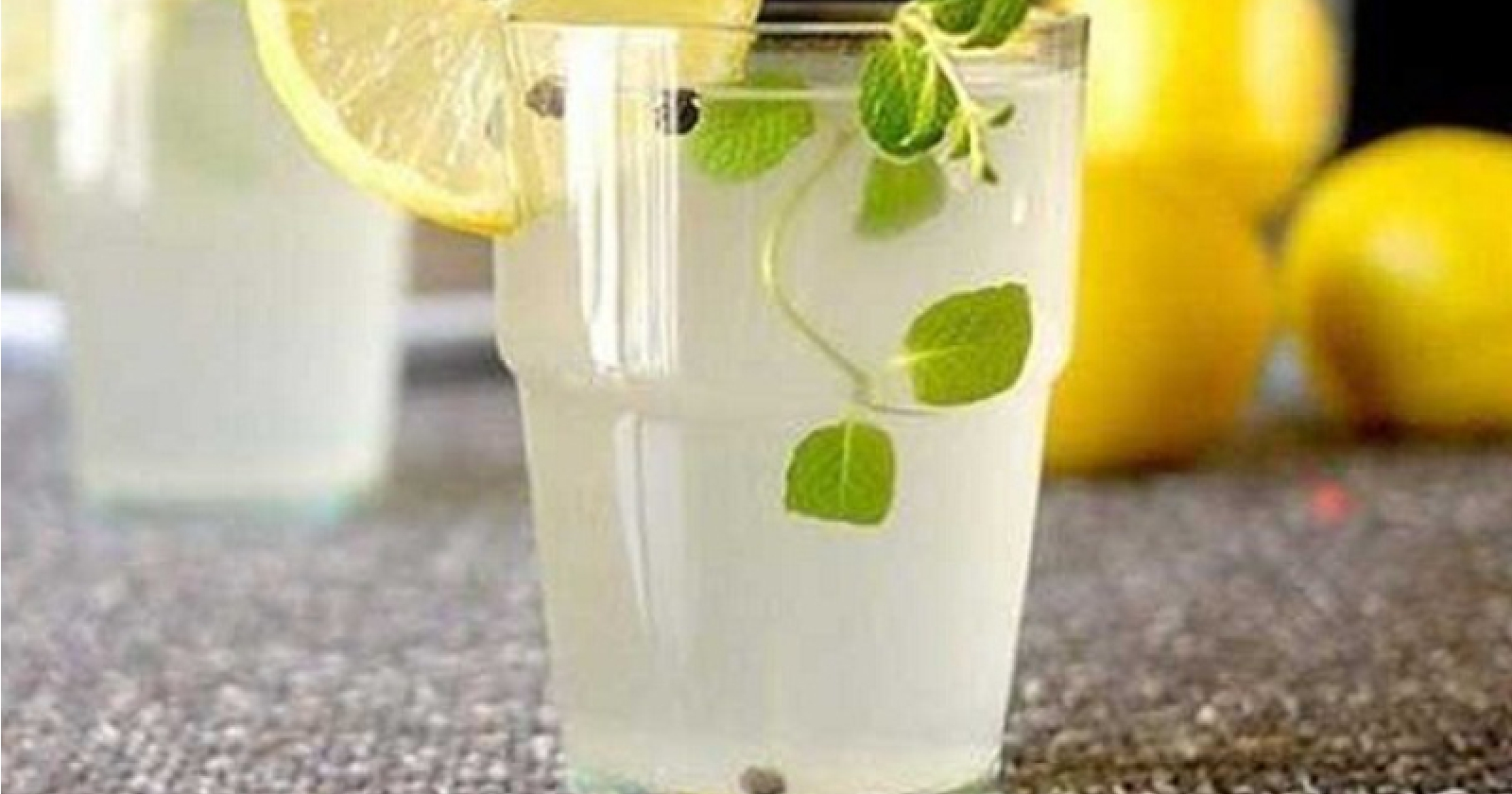 Drink-Lemon-Juice-Saveral-Times-a-day-for-Gout-Pain-Relief