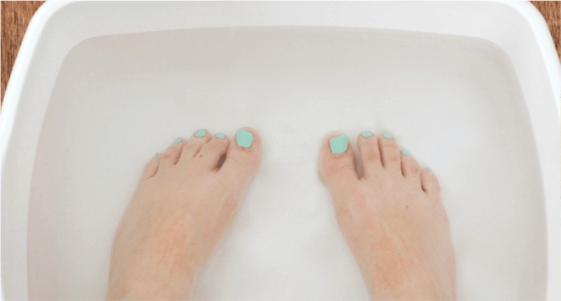 use-Carbonated-Water-to-treat-foot-tendonitis