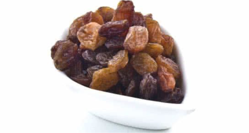 Eat-Raisins-in-good-amount-for-Low-Blood-Pressure