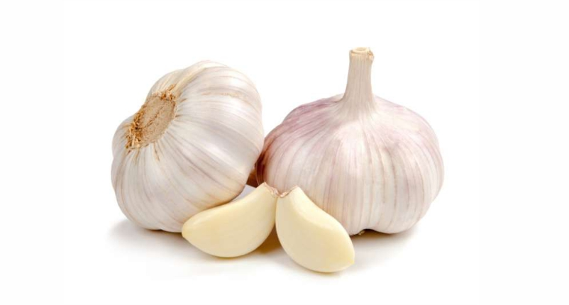 Use-Garlic-for-Treating-Arthritis-in-Hands
